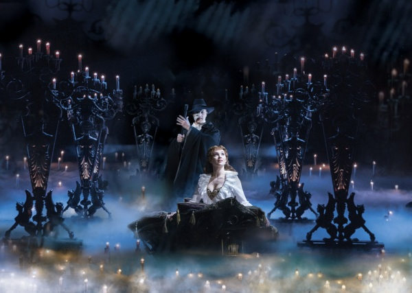 Geronimo-Rauch-as-The-Phantom-and-Harriet-Jones-as-Christine-in-Phantom-of-the-Opera.-Photo-by-Johan-Persson